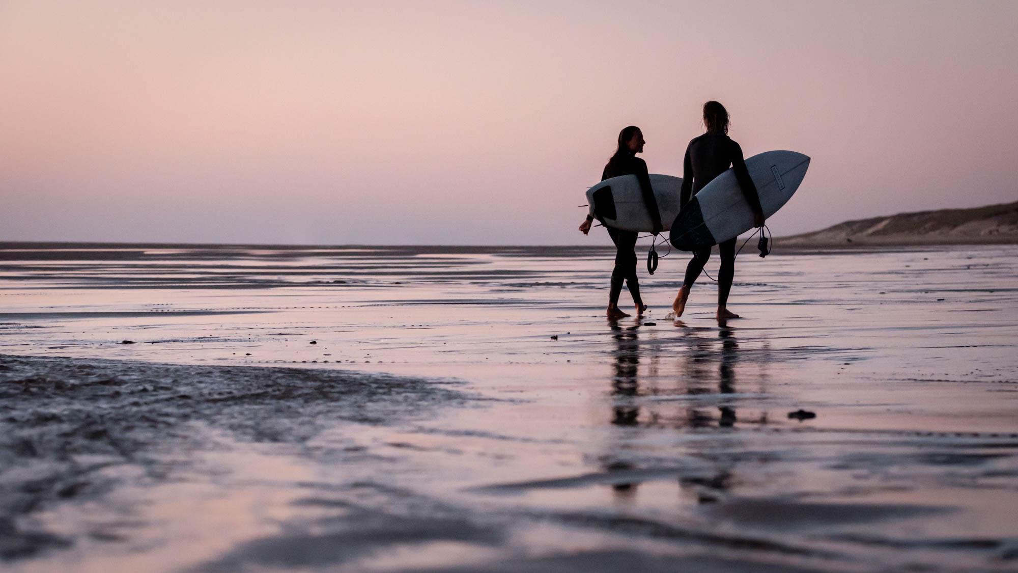 Surfer in Le Porge Océan