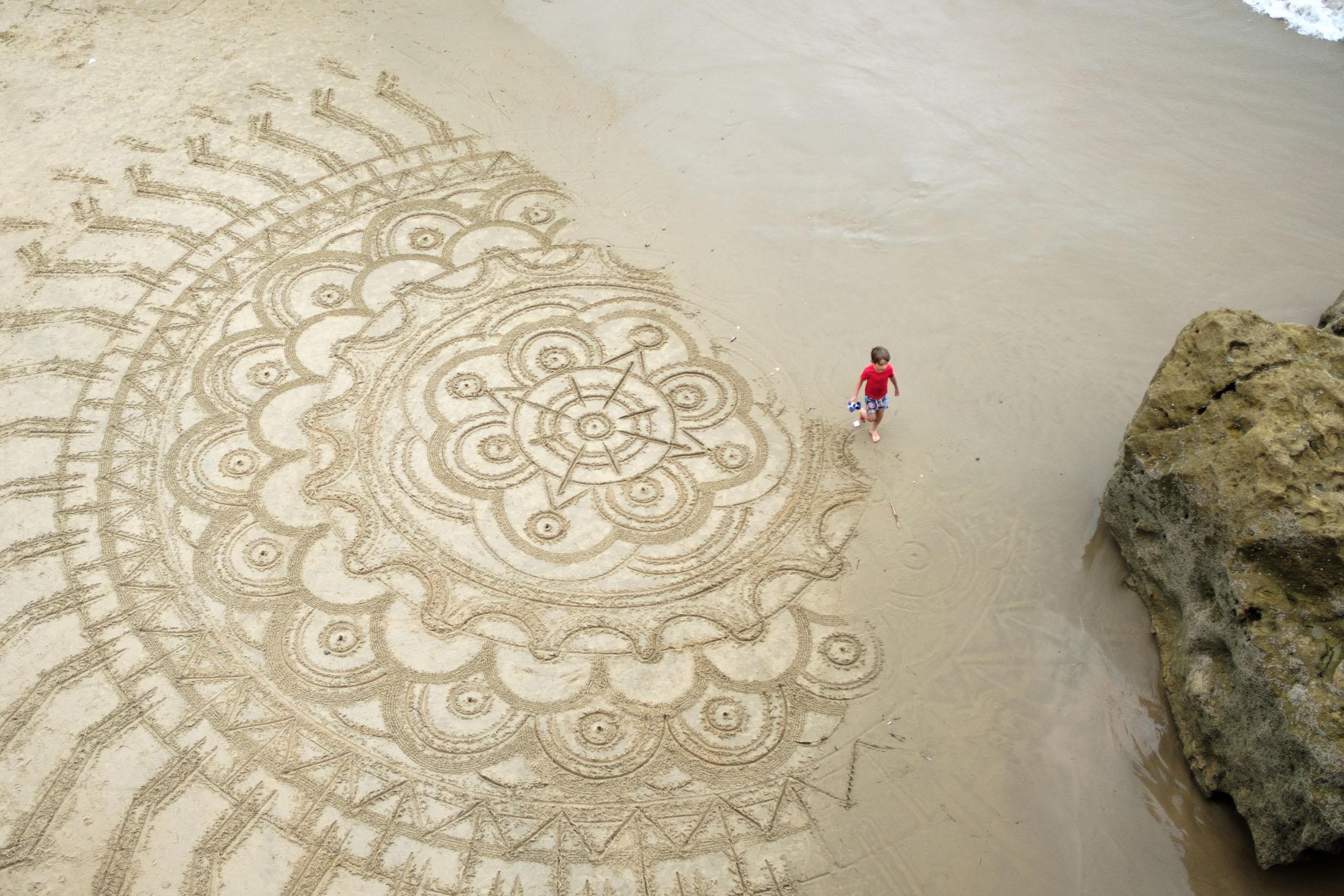 Kunstwerk am Strand Biarritz
