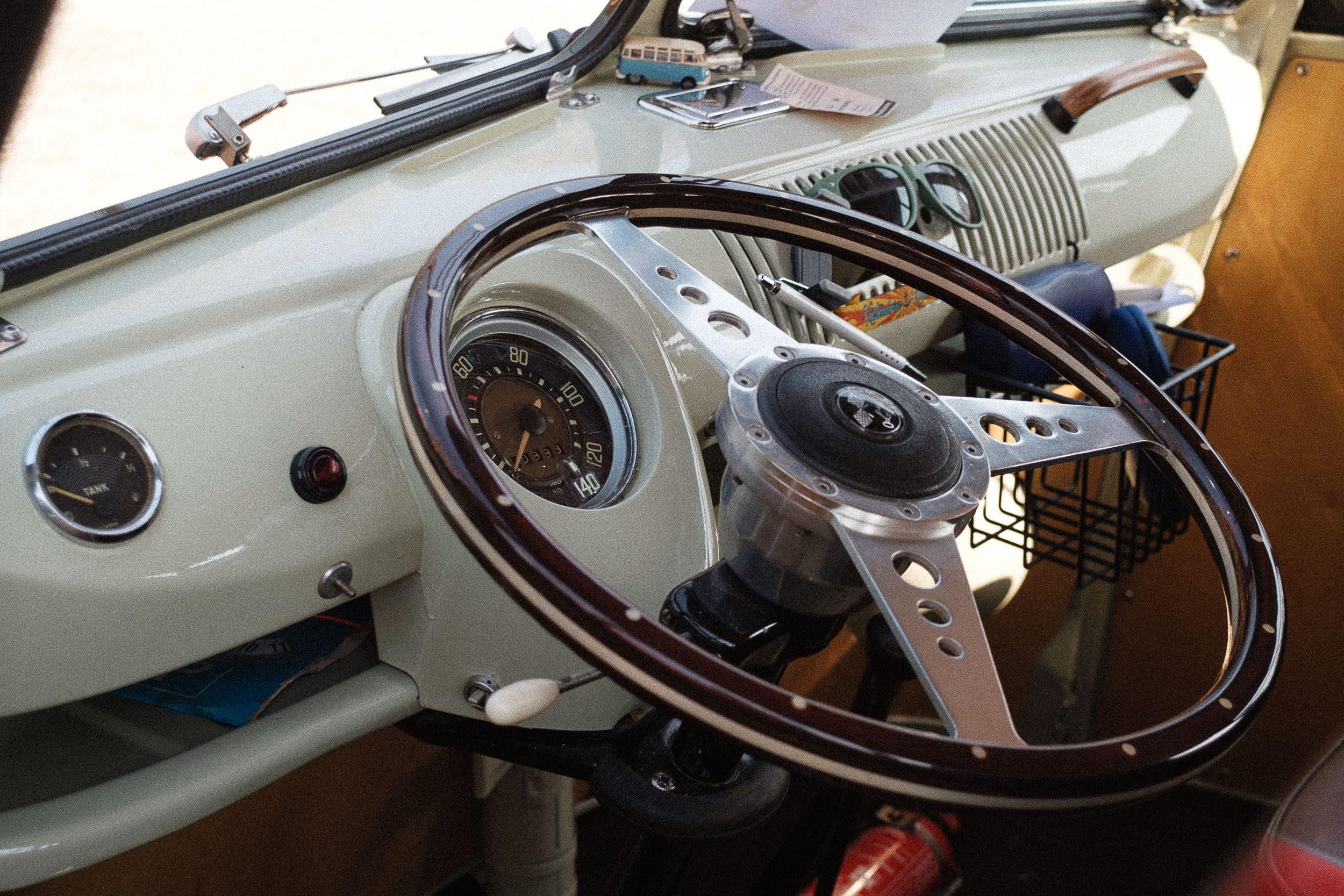 Cockpit beim Oldtimertreffen am großen Weserbogen VW Porsche Audi Klassik 2019