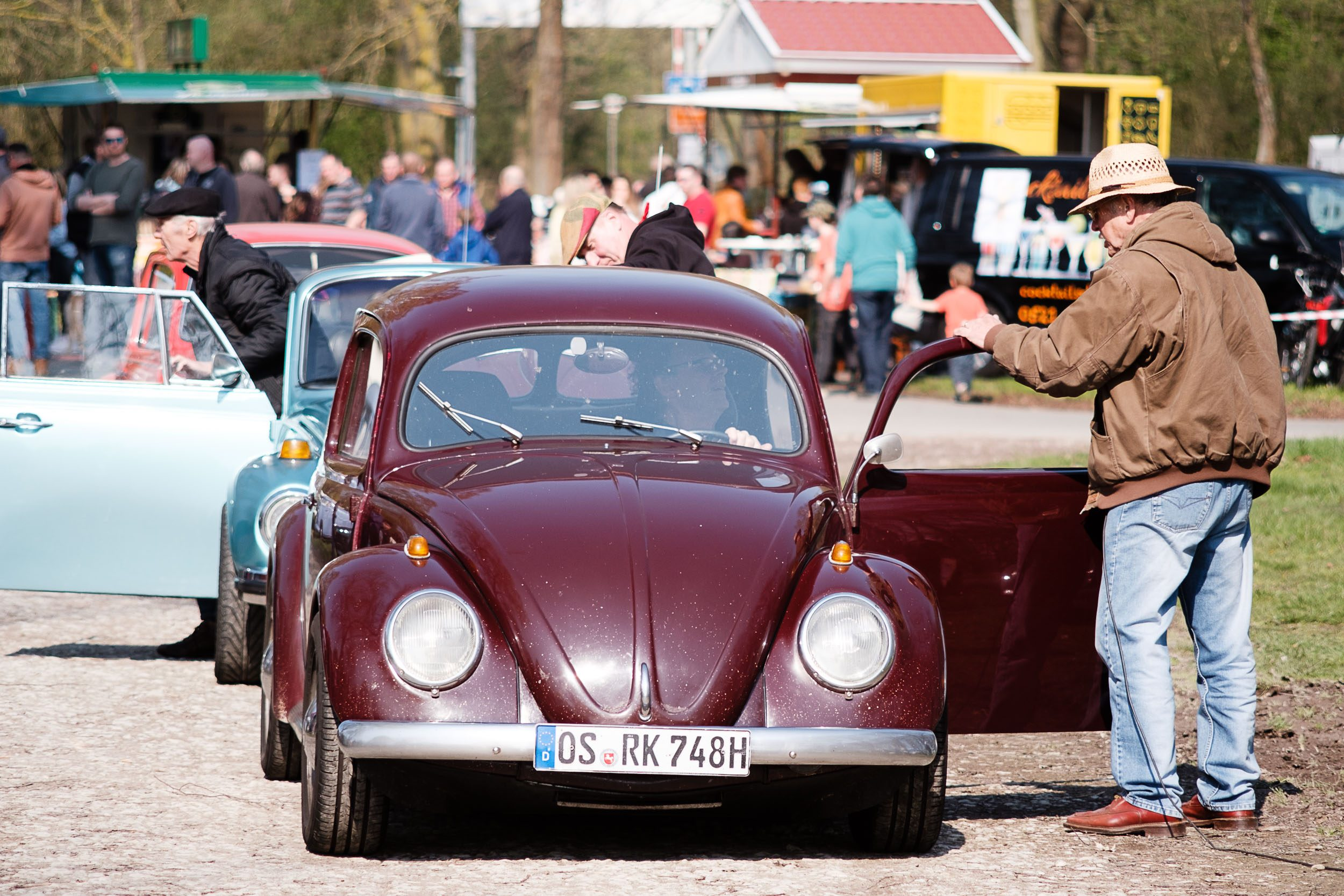 historische VW-Käfer beim Oldtimertreffen am großen Weserbogen VW Porsche Audi Klassik 2019