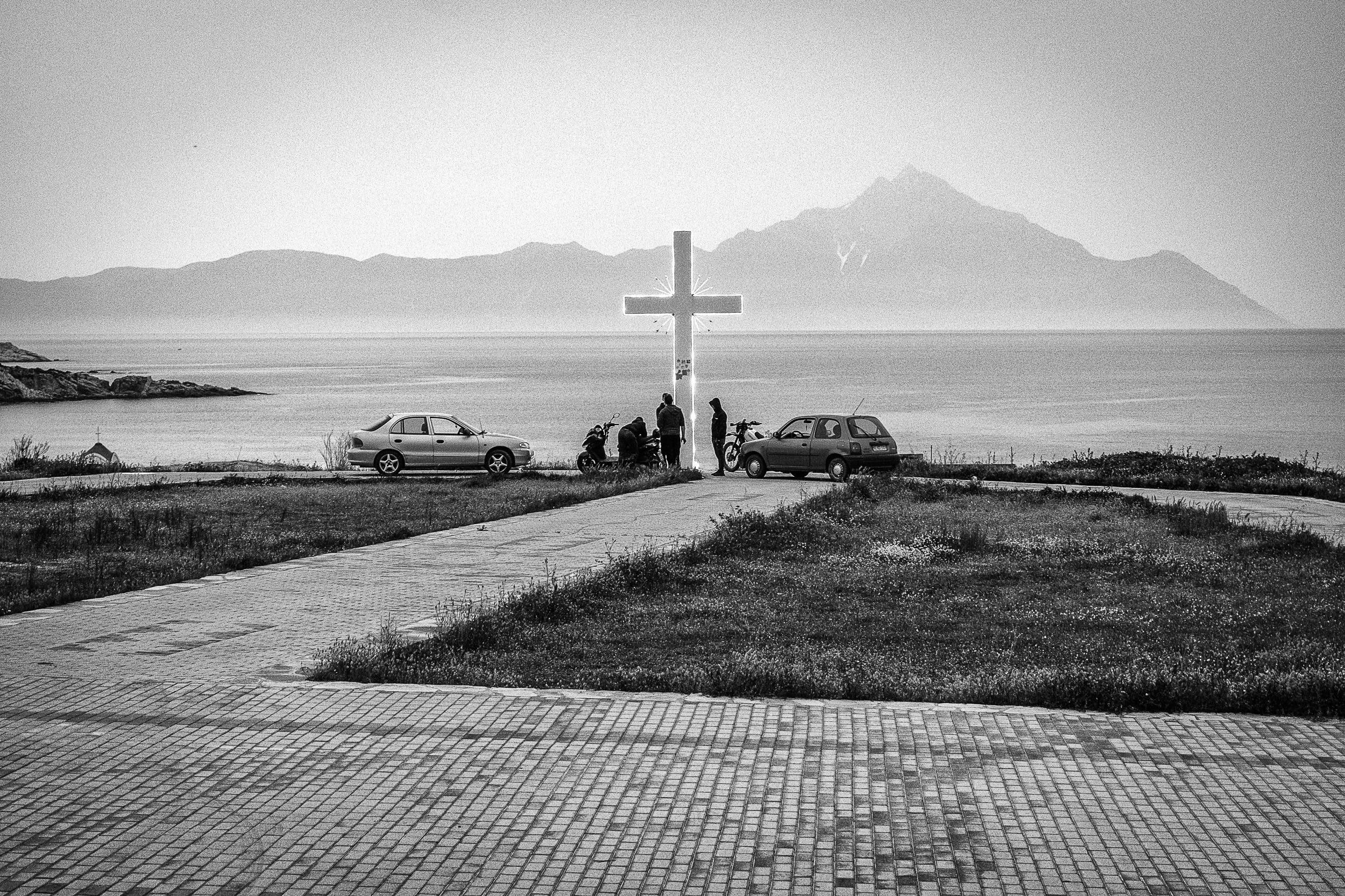 Sartí mit Blick auf den Berg Athos