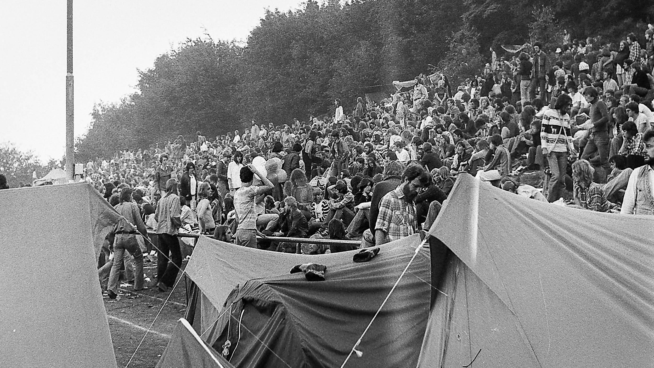 die Stadiontribühne Umsonst&Draussen Festival 1977 Jahnstadion Vlotho