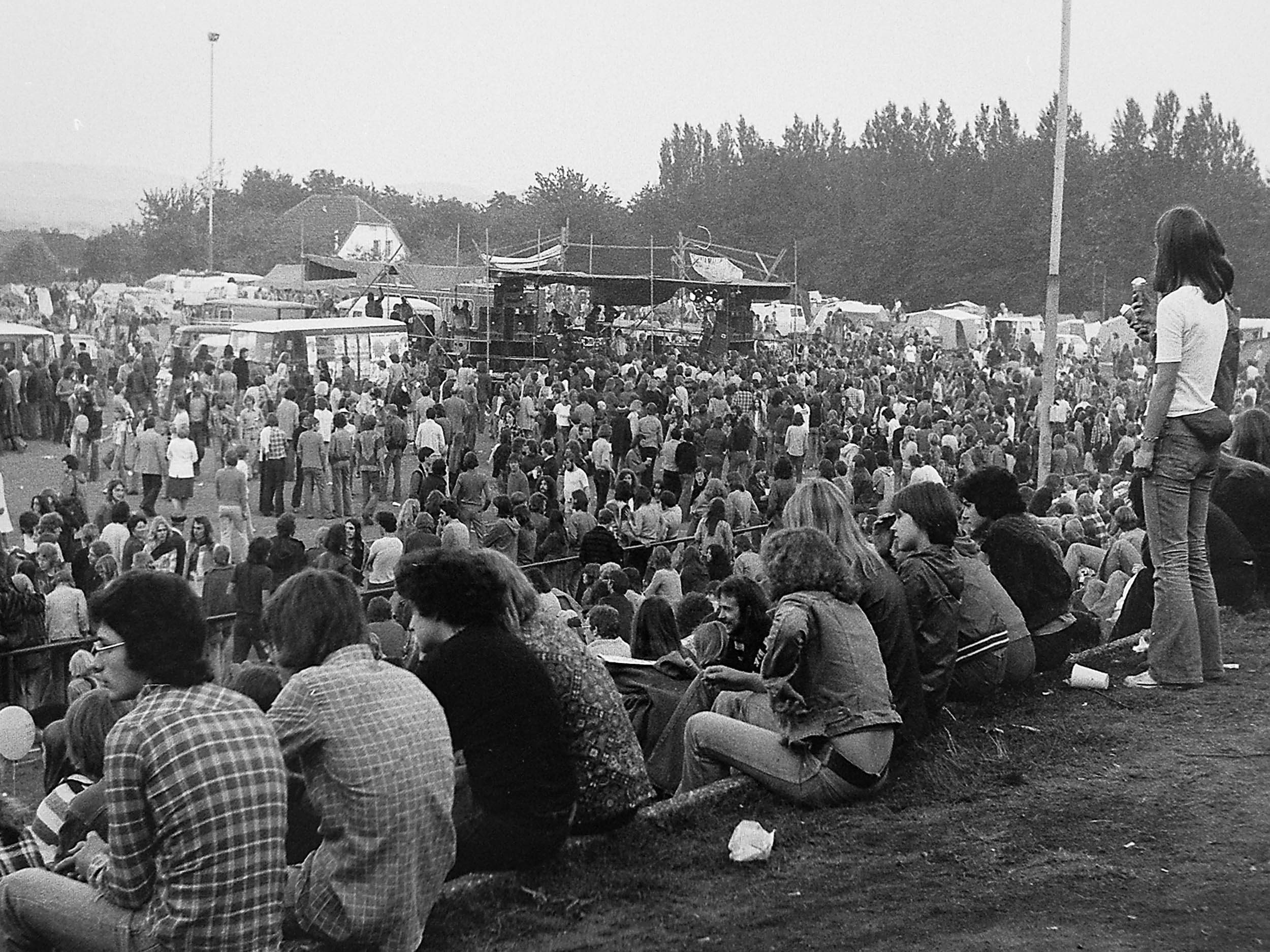 Geländeüberblick Umsonst&Draussen Festival 1977 Jahnstadion Vlotho