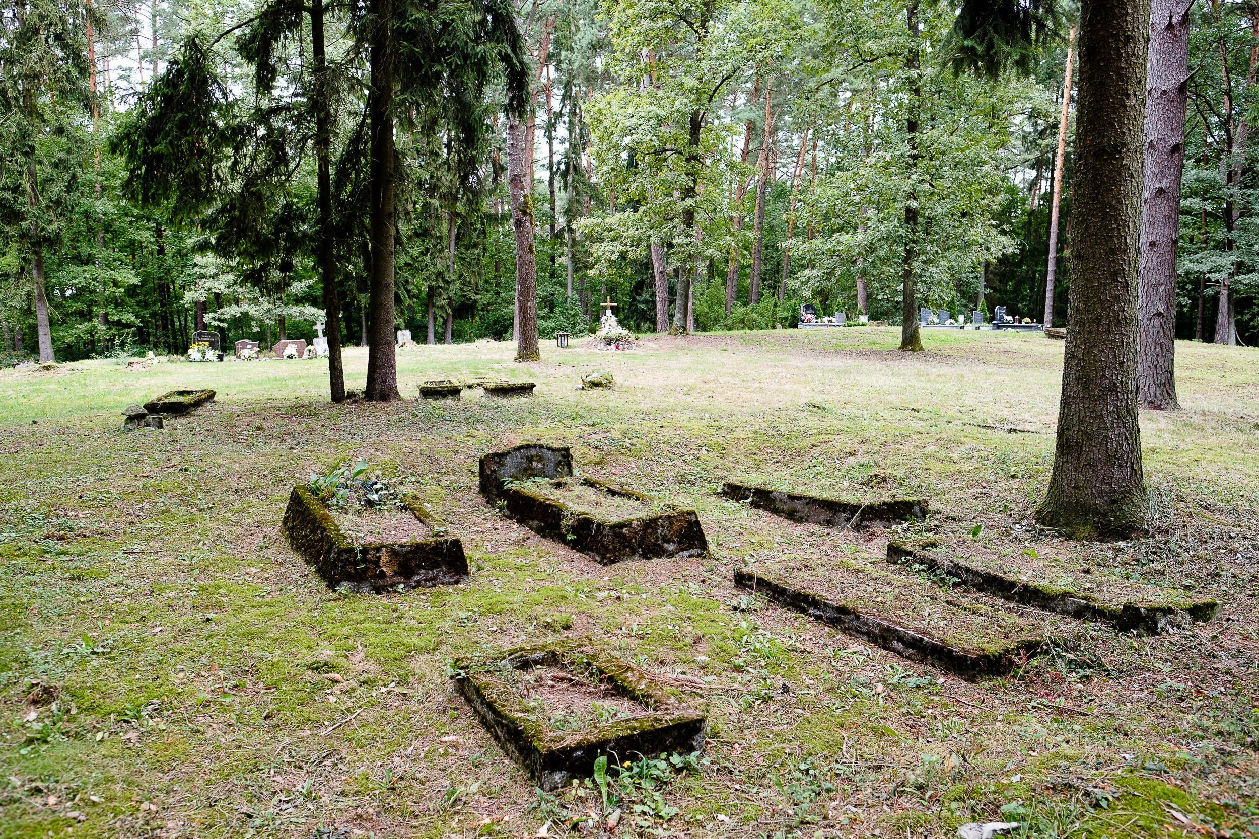 Friedhof in der Nähe von Kleszczewo, Polen