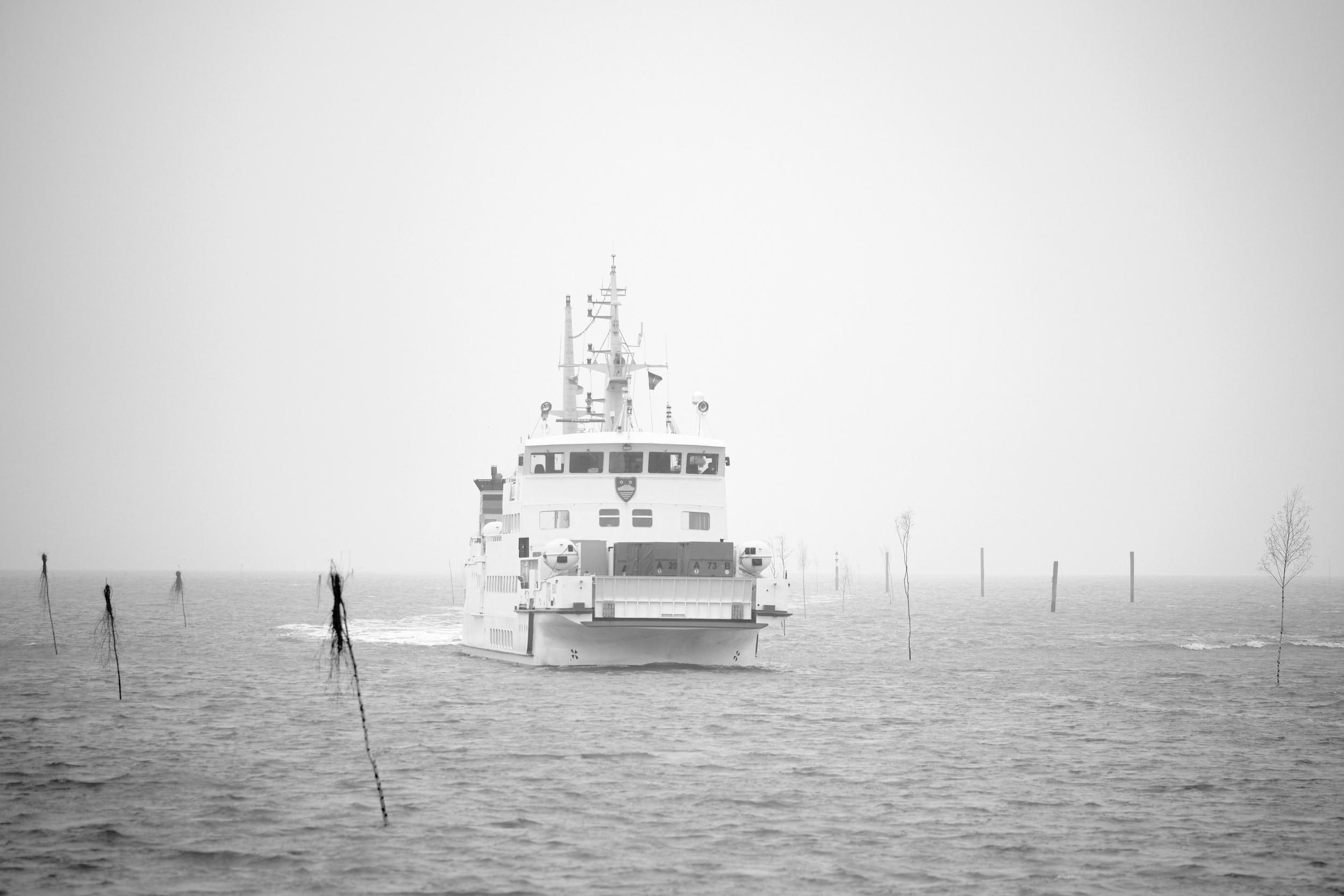 Fähre Juist Norddeich Mole Nebel