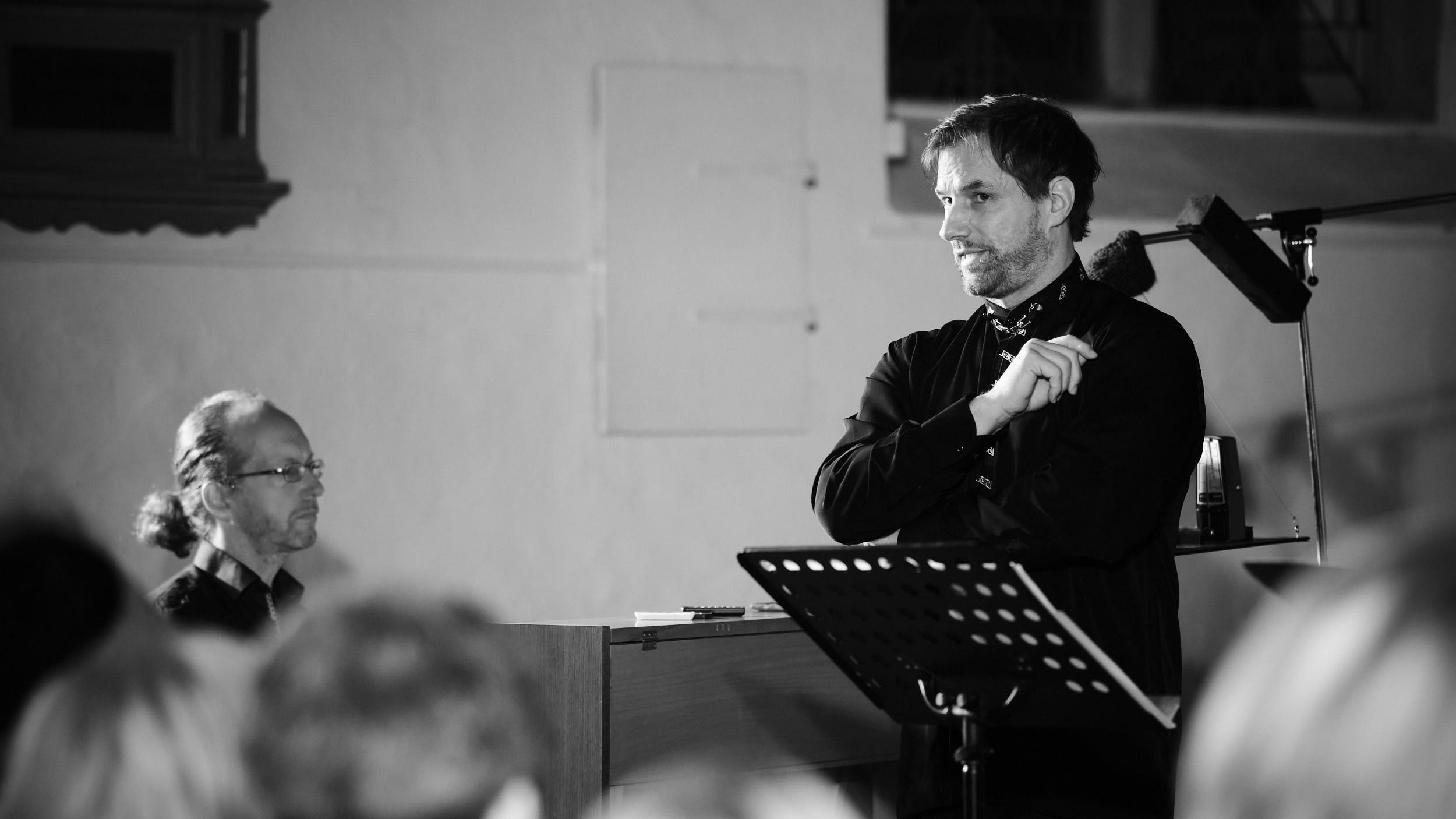 Gunnar Deutschmann Bass und Arrangements Spread Voice Konzert St.-Stephanskirche Vlotho 2020