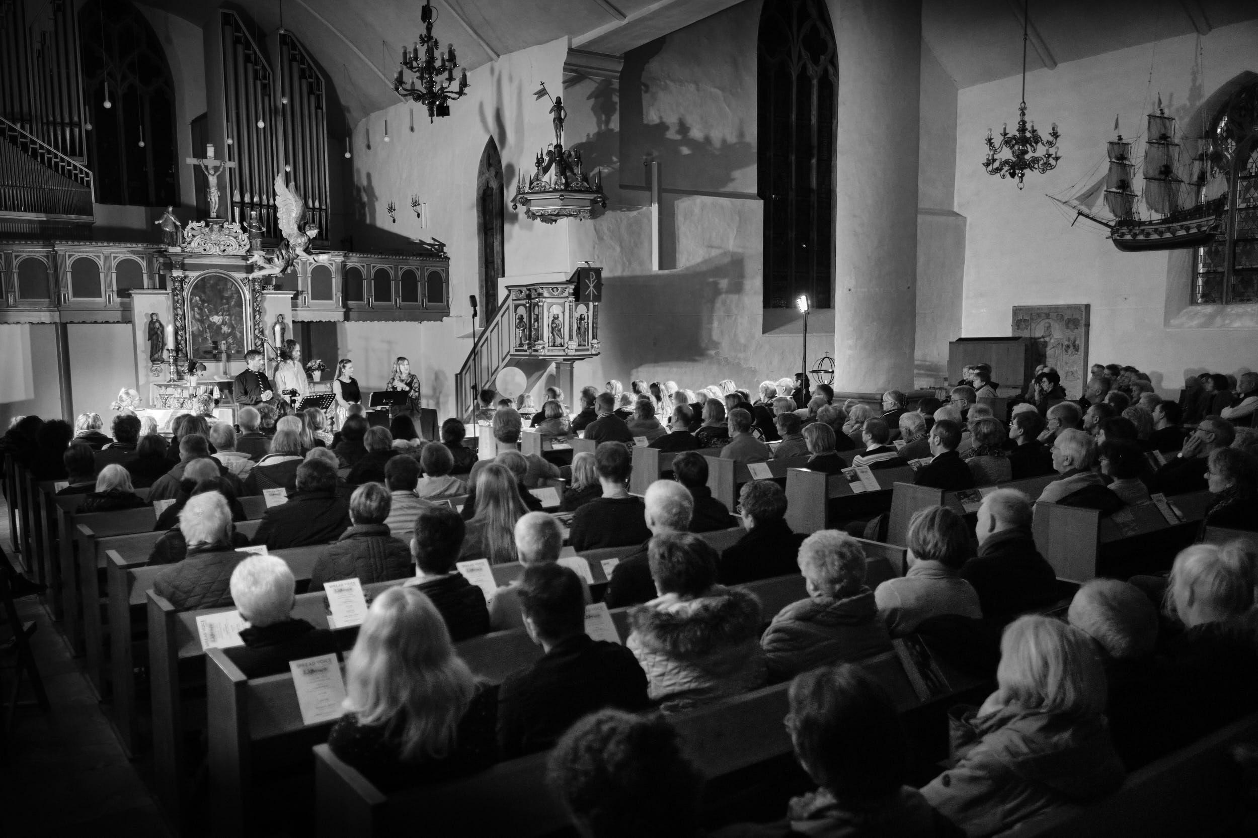 Kirchenschiff Spread Voice Konzert St.-Stephanskirche Vlotho 2020