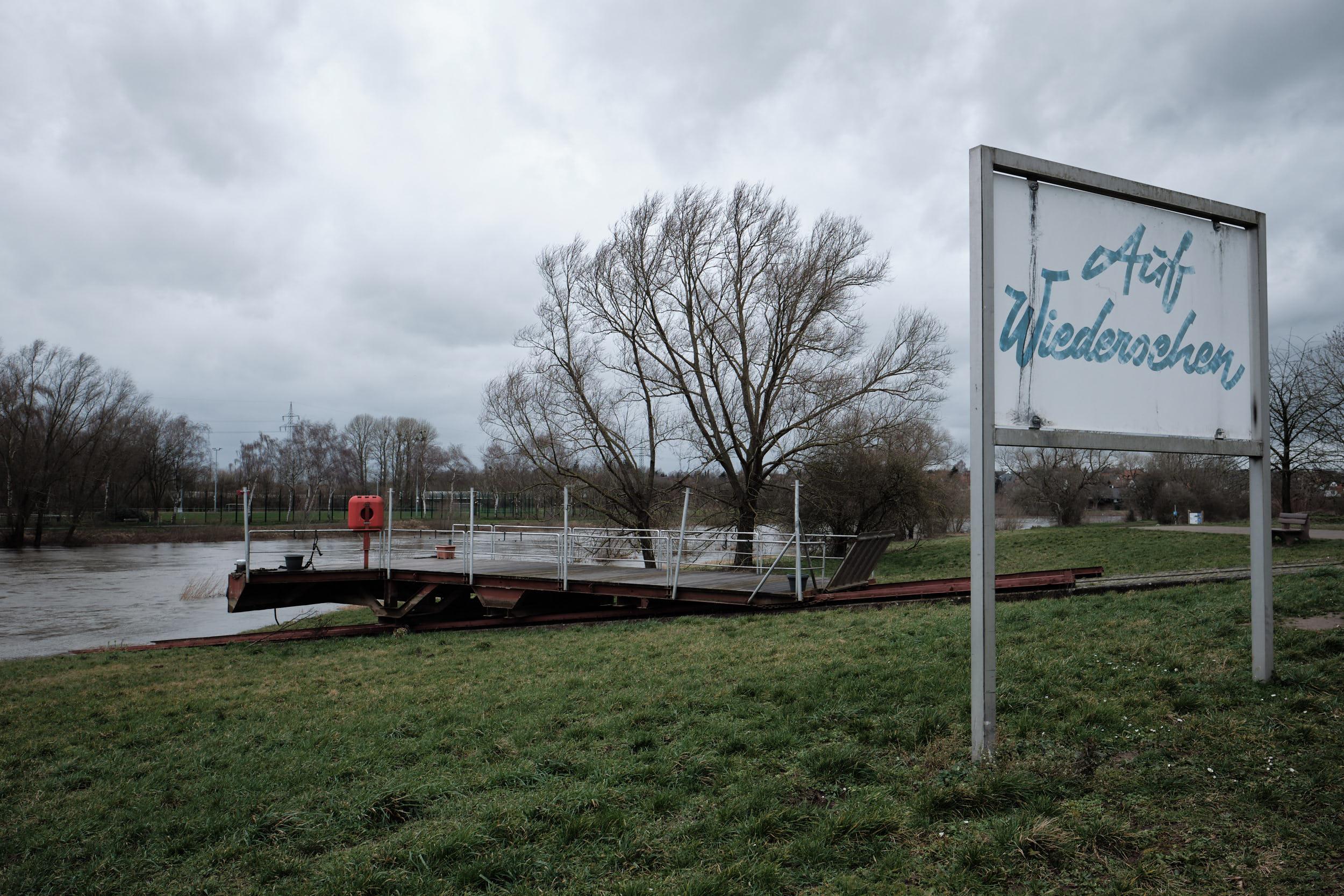 Fähre Amanda Im Großen Weserbogen Porta Westfalica
