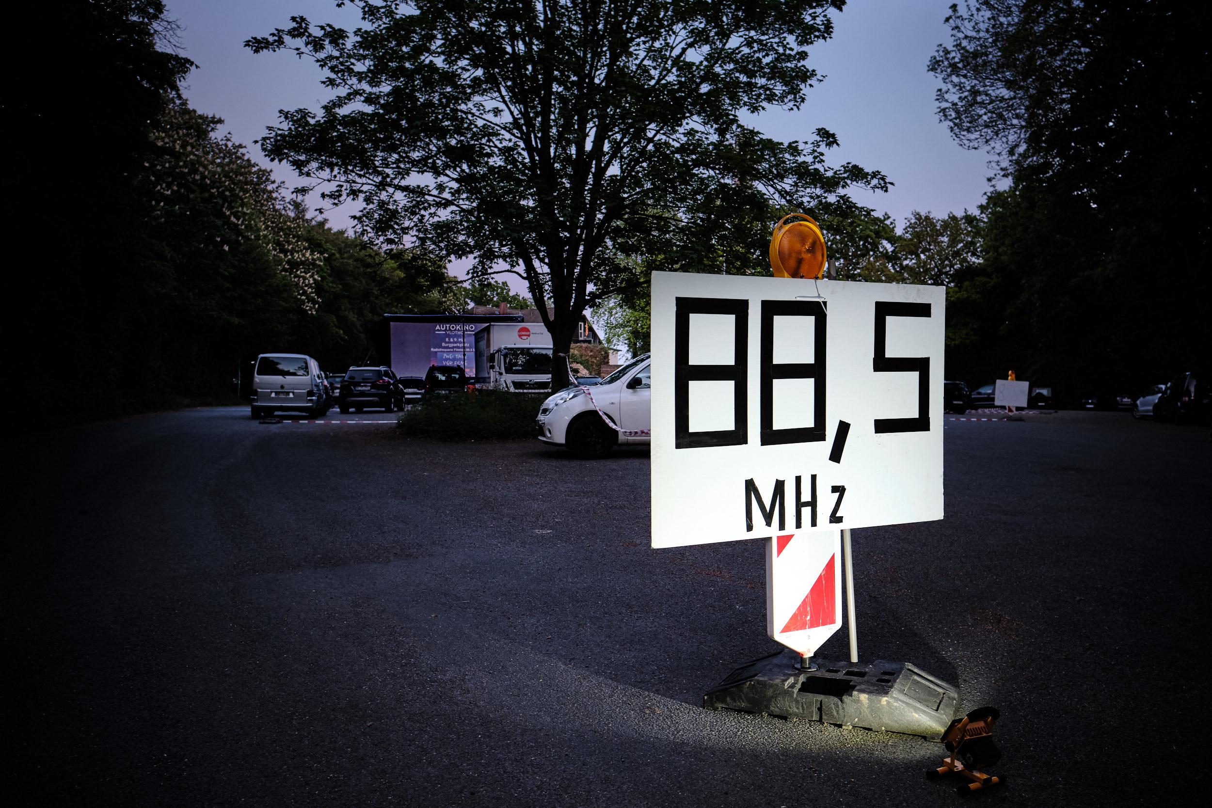 Frequenzanzeige beim Autokino Vlotho Burg 2020