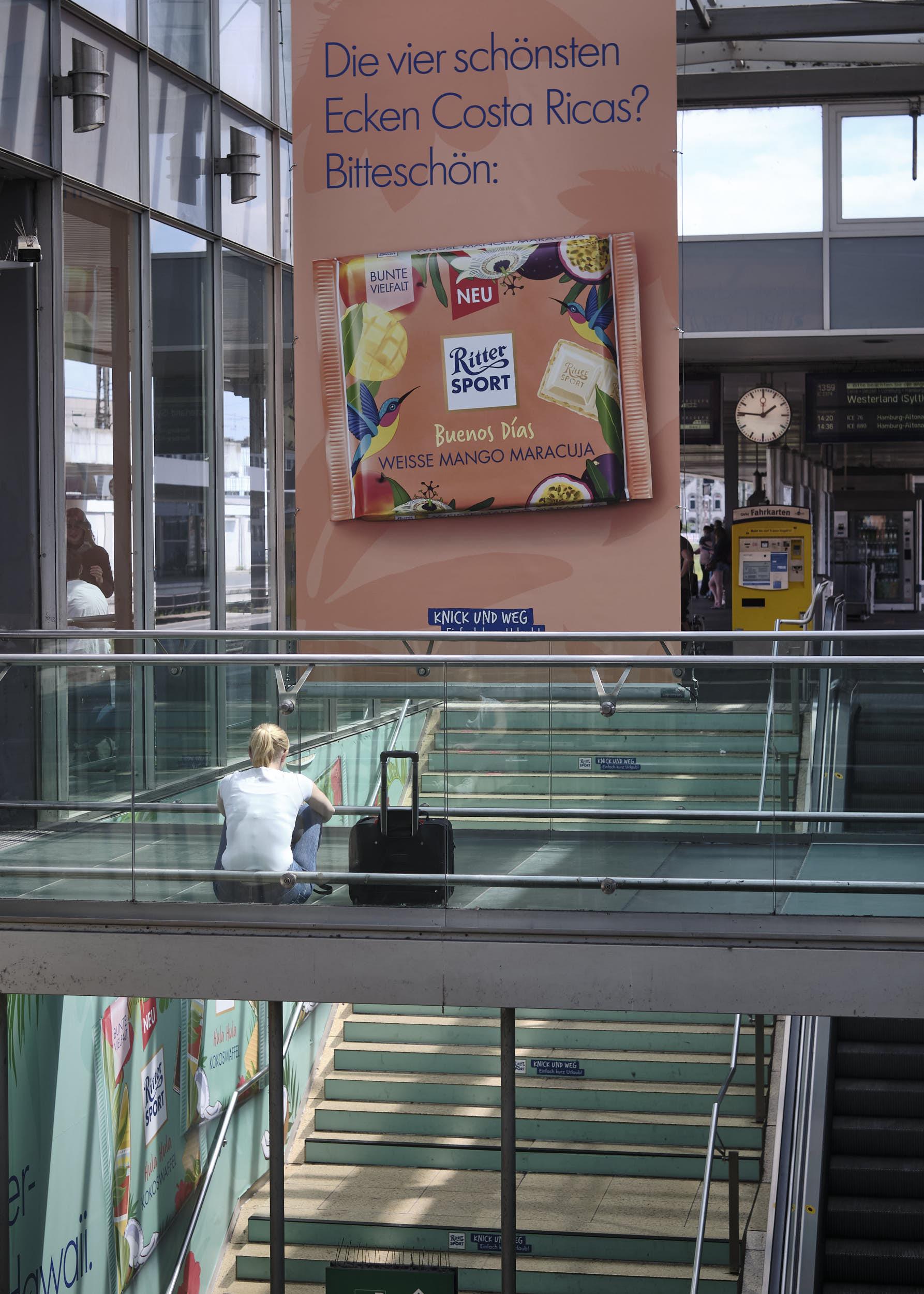 werbung Hauptbahnhof Hannover Ritter Sport