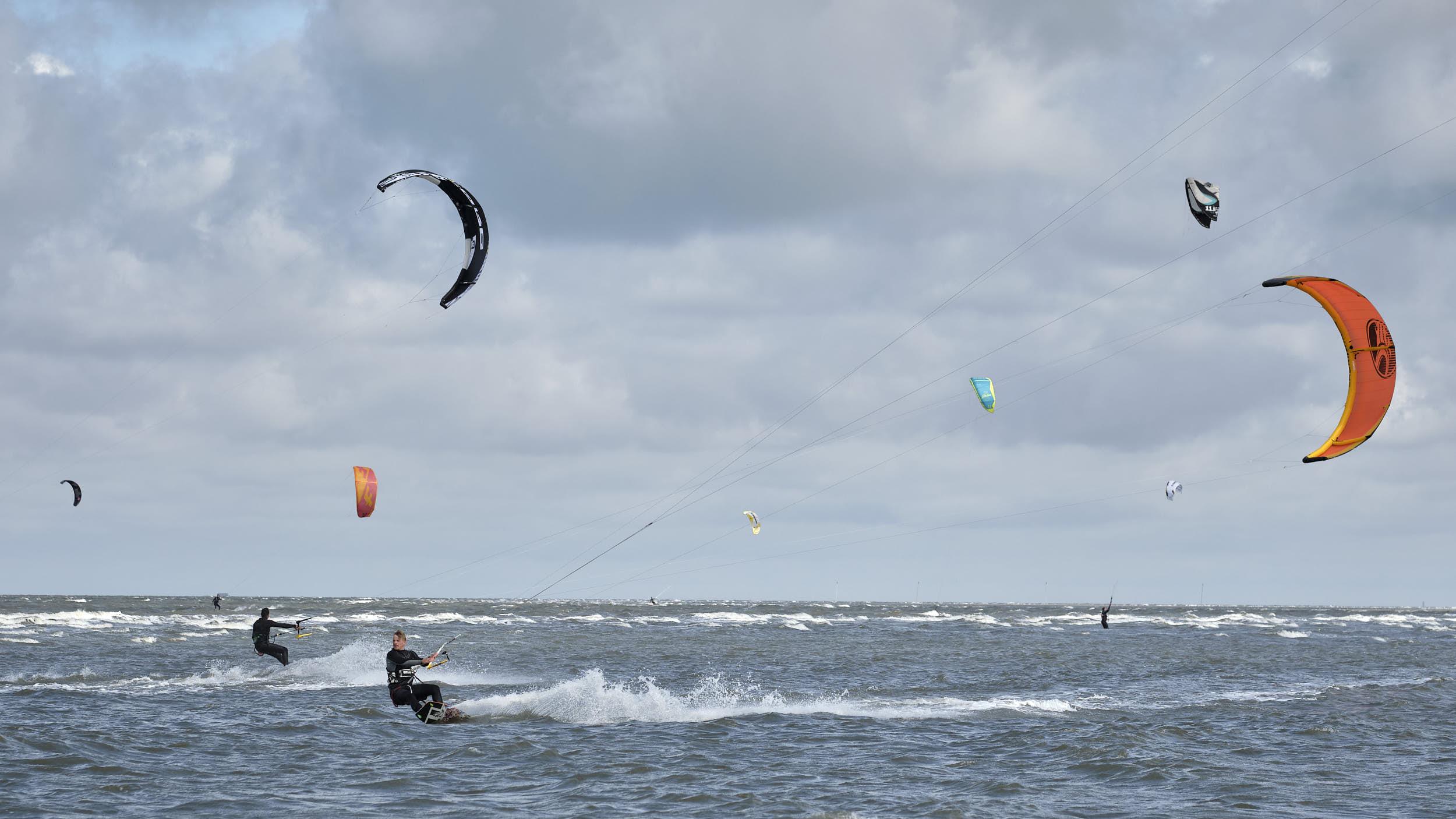 Kiter in der Nordsee, Sankt-Peter-Ording