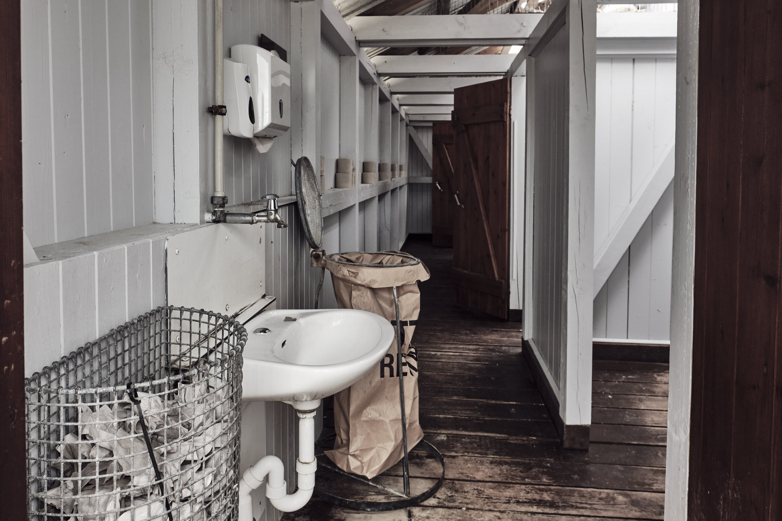 Handwaschbecken historisches Toilettenhaus Strand Sankt-Peter-Ording