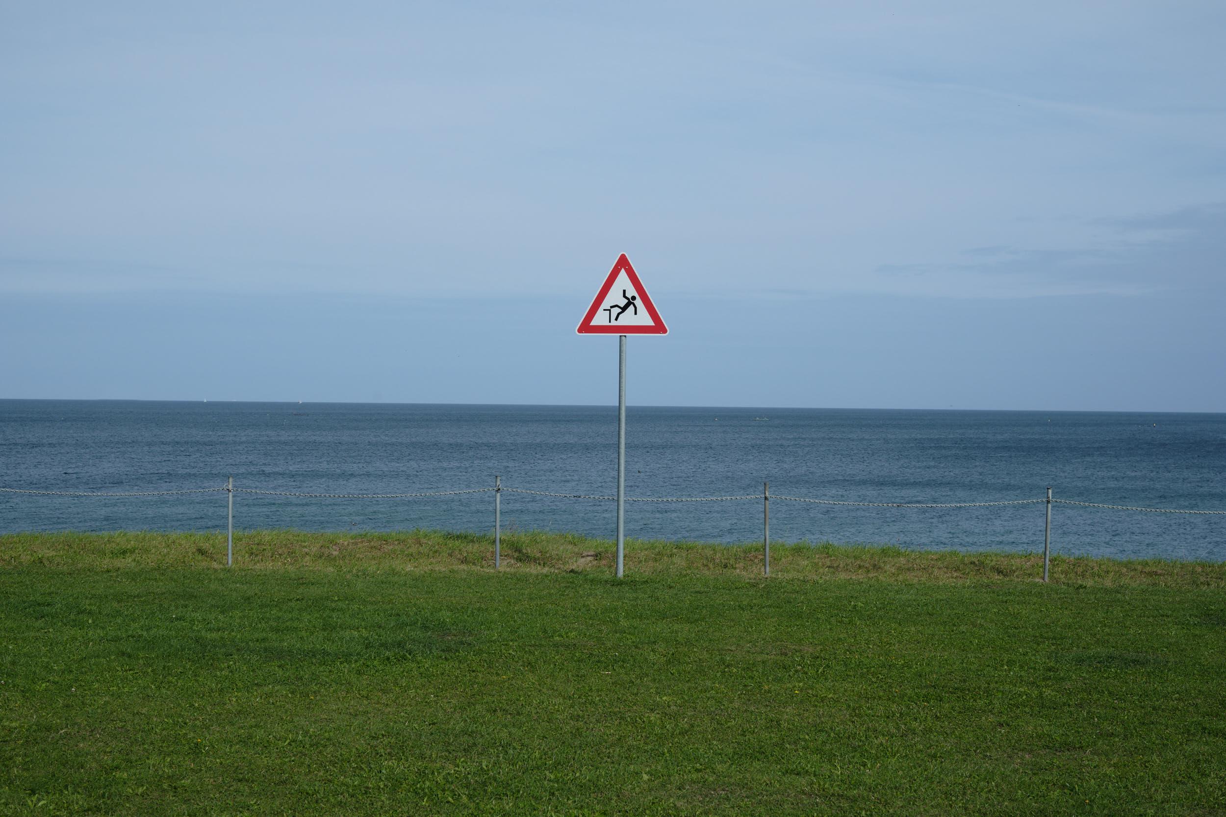 Gefahrenschild Ostsee