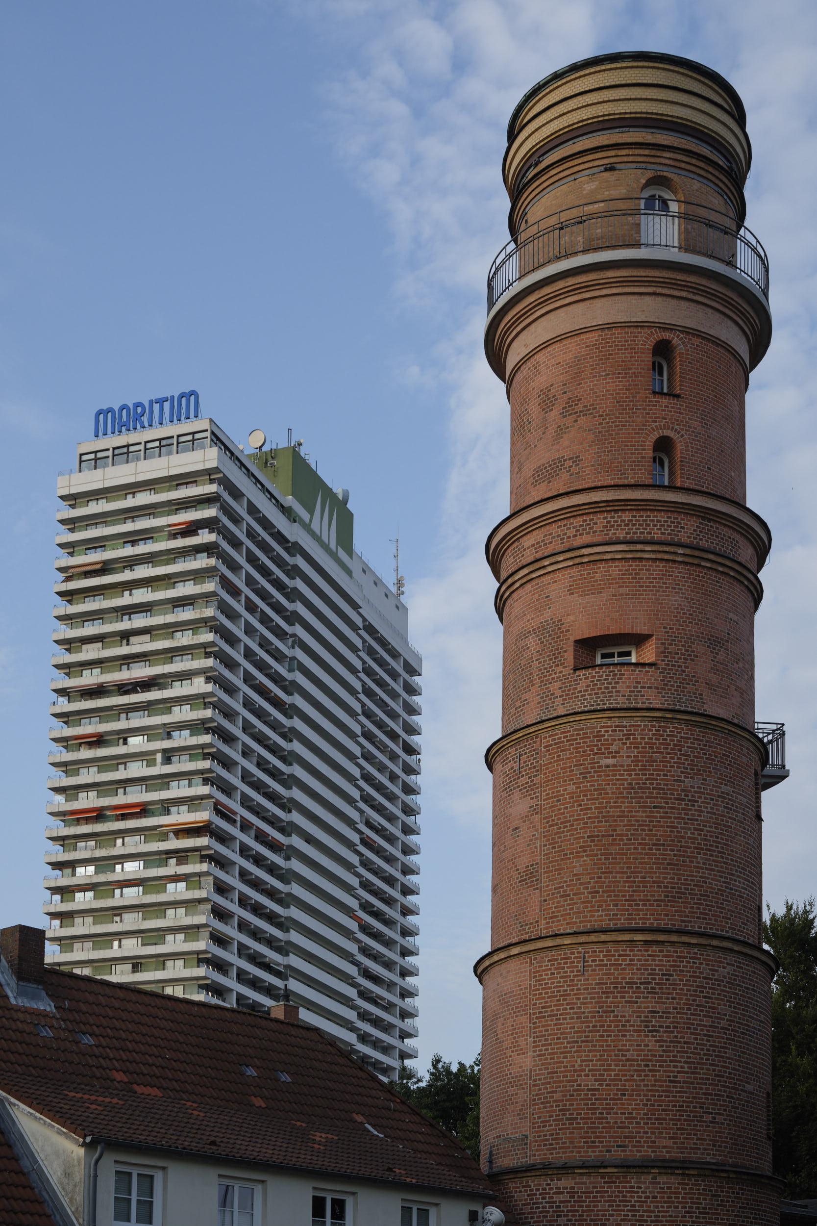 Maritim und Leuchtturm Travemünde