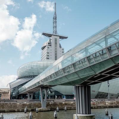 Glasbrücke zum Klimahaus