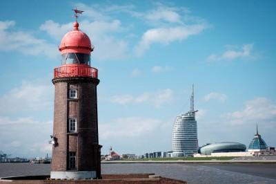 Fährblick zur Skyline Bremerhavens